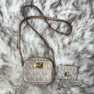 Michael Kors crossbody bag matching card holder